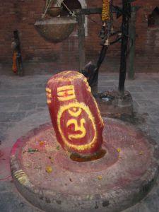 ヒンドゥー教と言えば、                   リンガ(チンチン)ですな